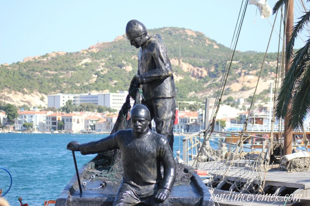 Balıkçı Heykeli